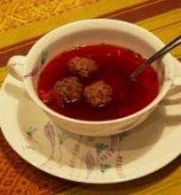 Burokėlių sriuba su kukuliukais