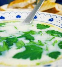 Česnako ir baltojo vyno sriuba
