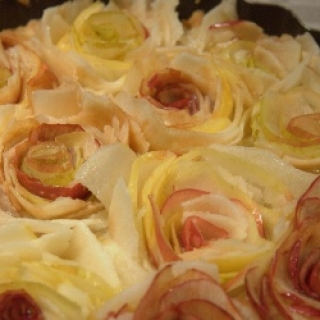 """Obuolių tarta """"rožių pieva"""""""