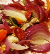 Traškios daržovės su chorizo