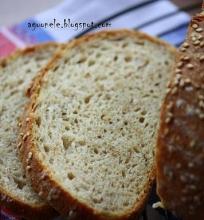 Duona su manų kruopomis bei sezamais