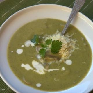Tiršta žalumynų sriuba