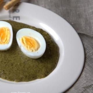 Kiaušiniai su rūgštynėmis