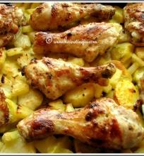 Vištiena, kepta su bulvėmis ir ananasais