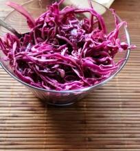 Raudonojo kopūsto salotos