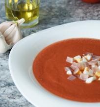 Salmojero – šalta pomidorų ir duonos sriuba