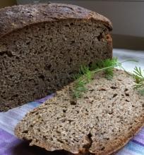 Alaus duona su raugu