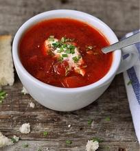 Burokėlių ir pomidorų sriuba