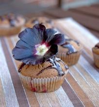 Šokoladiniai keksiukai su vyšniomis