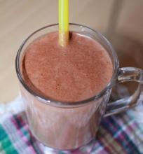Šokoladinis migdolų pieno kokteilis