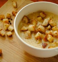 Kalafijorų sriuba su sidru ir sūriu