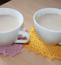 Chai (indiška arbata su prieksoniais)