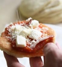 Keptuvėje keptos neapolietiškos picos