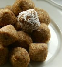 Kokosiniai sausainiai su datulėmis ir riešutais