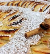 Migdolų ir obuolių pyragas