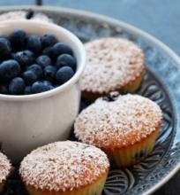 Migdolų miltų pyragėliai su mėlynėmis