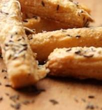 Alaus sausainiai su sūriu