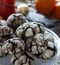 Sutrūkinėję šokoladiniai sausainiai