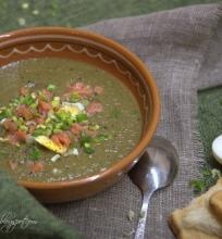 Kreminė rūgštynių sriuba su pievagrybiais