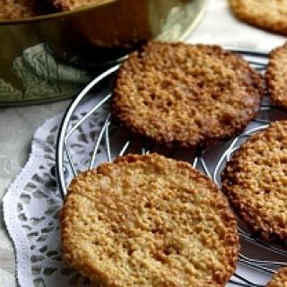 Sezamo sėklų sausainiai