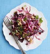 Žiemiškos salotos su kalafijoru ir raudonuoju kopūstu