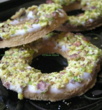 Sausainiai su pistacijomis