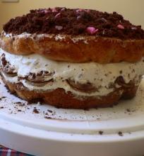 Trijų biskvitų tortas