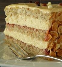 Riešutinis tortas su maskarpone