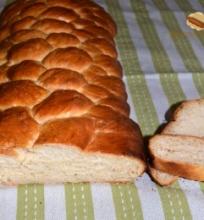 Baltos duonos pynė