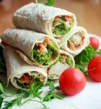 Brokolių ir kalafijorų salotų suktinukai